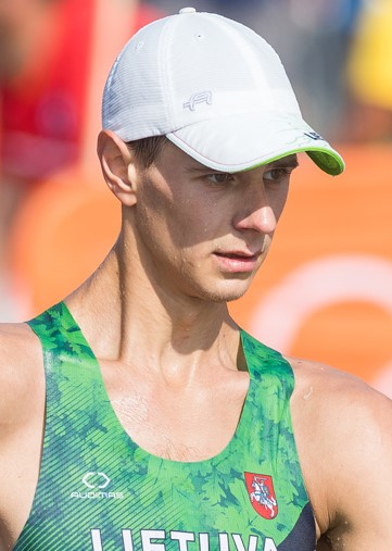 Artur Mastianica