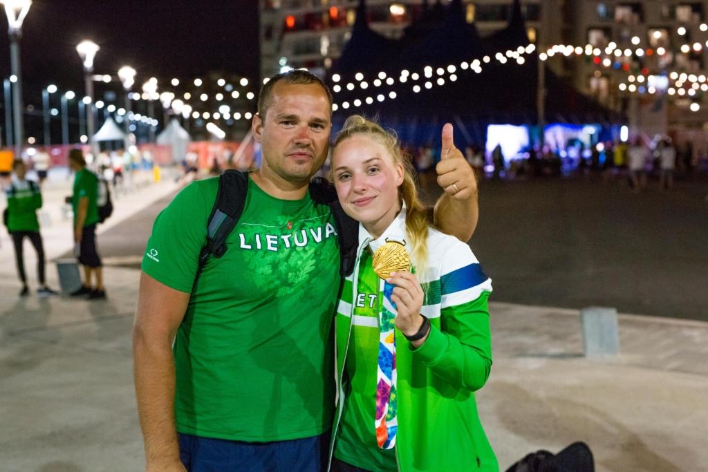 Agnė Šeleikaitė su treneriu Giedriumi Martinioniu (Kipro Štreimikio nuotr.)