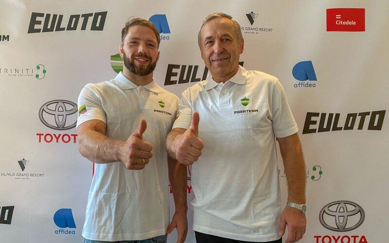 Dziudo imtynininkas O.Bareikis su treneriu A.Mečkovskiu.