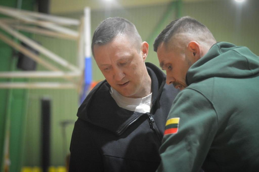 Treneriai Ž.Urbonas ir D.Novickas. (Dano Kriaučiūno nuotr.)